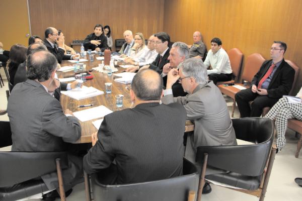 Entidades médicas reclamaram da proposta de não adoção da Tabela CBHPM ainda em 2014