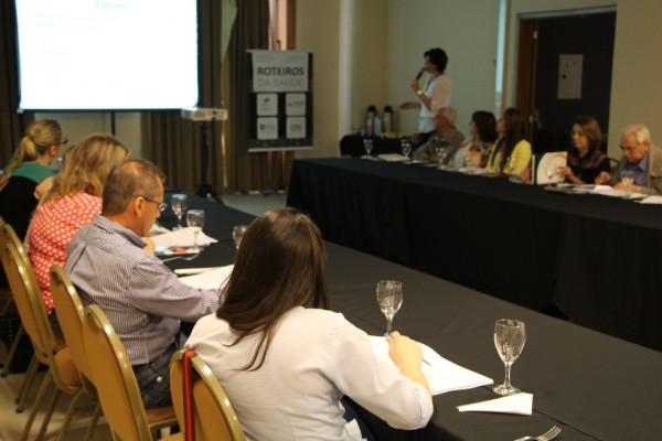 Shirlei Gazave apresenta informações sobre a atuação da FEHOSUL e seus sindicatos