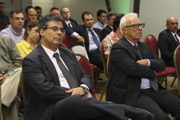 Dirigentes presentes ao evento realizado em Porto Alegre
