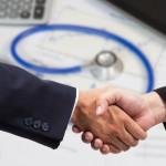 3 dicas para um trabalho colaborativo entre as áreas médica e financeira