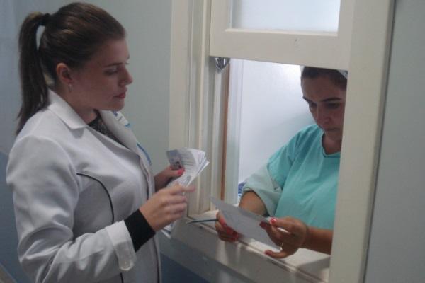 Hospital Santa Lucia promove ações para alertar o perigo da automedicação2