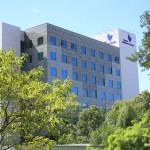 Hospital Moinhos de Vento realiza seleção de emprego para auxiliares de limpeza e de alimentação