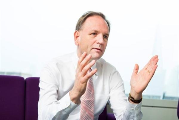 Simon Stevens, executivo-chefe do NHS Inglaterra,