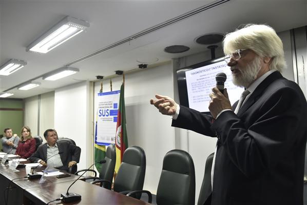 Foto Marcelo Bertani . Agência ALRS.deputado Valdeci de Oliveira e Desembargador Martin Schulze