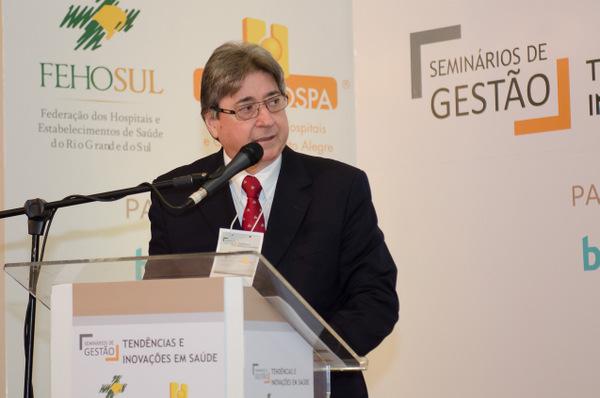 Cláudio Allgayer, presidente da FEHOSUL e vice-presidente da CNS
