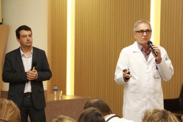 Salvador Gullo da Unimed Porto Alegre e Luiz Felipe Gonçalves (Superin. Médico do Mãe de Deus)