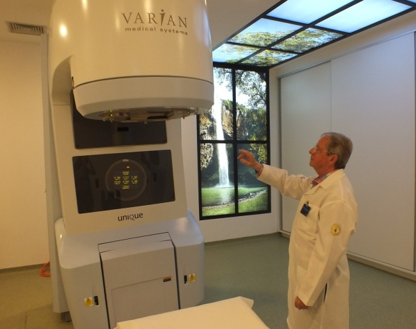 Investimento em aceleradores lineares de radioterapia guiada por imagem (ImageGuidedRadioTherapy/IGRT) e, desde o começo do ano está em operação a Radiocirurgia e Arcoterapia Volumétrica Modulada (VMAT)