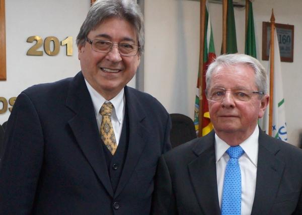 Claudio Allgayer e Adalberto Broecker Neto na cerimônia em São Leopoldo