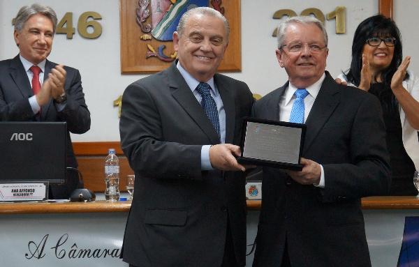 Adalberto recebe de ... Ex-governador Germano Rigotto prestigiou o amigo de longa data