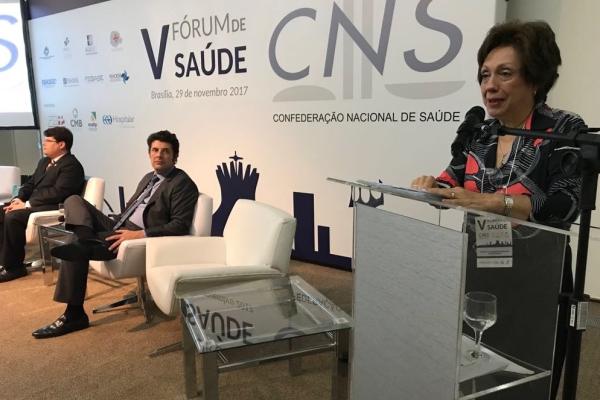 Advogada da Advocacia Gandra Martins, Fátima Fernandes Rodrigues de Souza