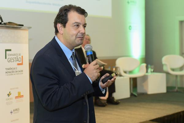Salvador Gullo, Diretor de Provimento de Saúde da UNIMED POA