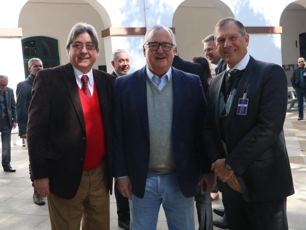 Cláudio Allgayer (FEHOSUL), Pedro Westphalen (Candidato à Deputado Federal) e Ricardo Englert (Sindiberf)