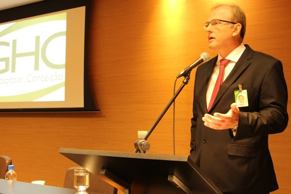 André Cecchini realizou seu primeiro pronunciamento para funcionários do GHC