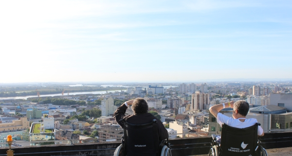 Vista de Porto Alegre no heliponto do Hospital Moinhos de Vento