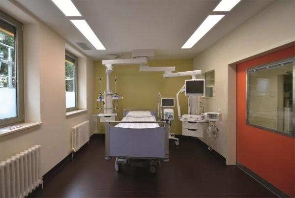 Ascorese a iluminação dentro dos hospitais têm influência na recuperação dos pacientes
