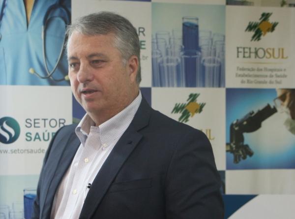 Fraga abordou a governança clínica do hospital, baseada em seis pilares