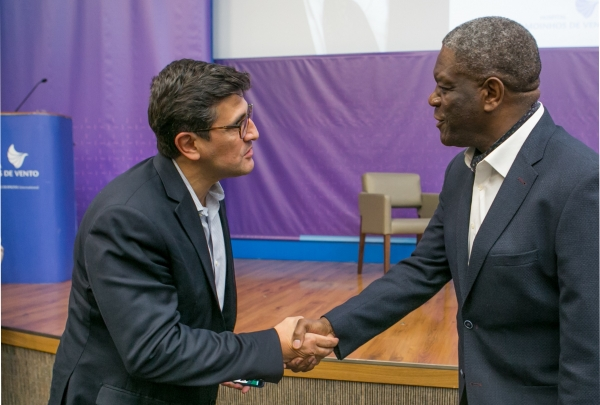 O Superintendente Executivo do Hospital Moinhos de Vento, Mohamed Parrini, parabenizou o Nobel da Paz pelo trabalho desenvolvido no Congo