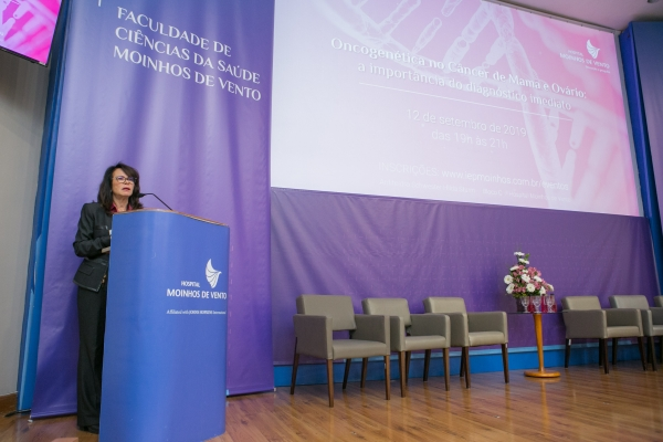A chefe do Serviço de Mastologia do Hospital Moinhos de Vento, Maira Caleffi, fez a abertura do evento