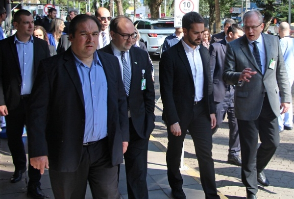 Superintendente André Cecchini apresenta obras da oncologia