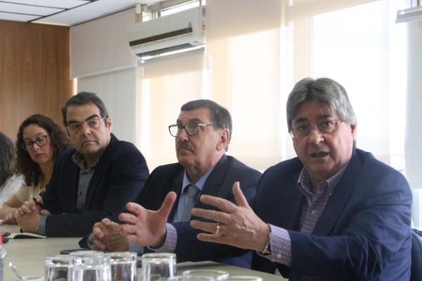Claudio Allgayer em reunião no IPE-Saúde, acompanhado do vice-presidente da entidade, Odacir Rossato