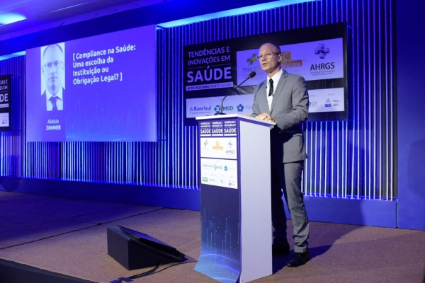 Zimmer palestrou para executivos da saúde no dia 9 de dezembro, em Porto Alegre