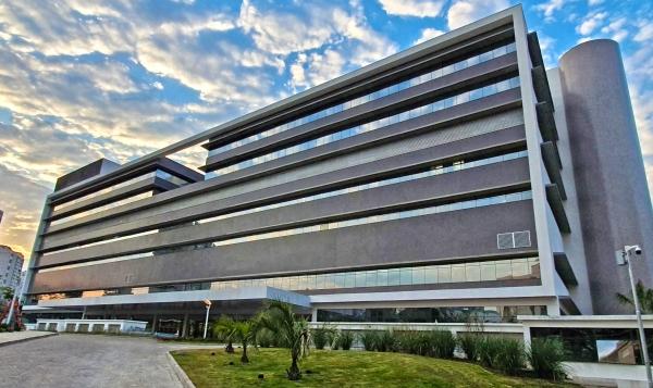 Imagem da nova estrutura do Hospital de Clínicas de Porto Alegre