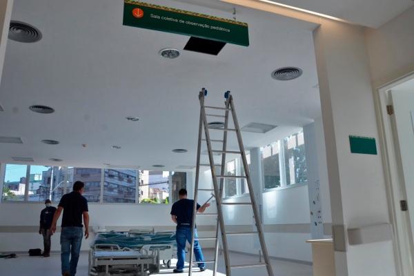 """Hospital de Clínicas de Porto Alegre inicia chamamento de profissionais e pede retorno com """"máxima urgência"""""""
