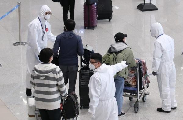 Coreia adotou medidas drásticas como quarentena para visitantes que chegam ao país asiático