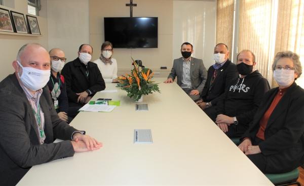 PUCRS e Rede Divina Providência firmam convêniode cooperação acadêmica com foco naobstetrícia_