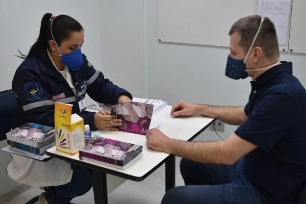 Segunda dose da vacina contra a Covid-19 começa a ser aplicada pelo Hospital São Lucas da PUCRS