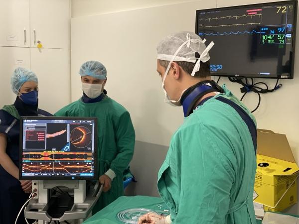 Procedimento inédito no Brasil previne AVC em paciente de 85 anos com aterosclerose__