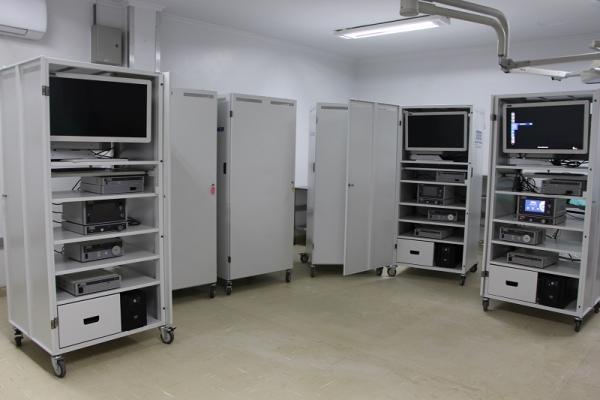 Seis torres de videocirurgia foram entregues
