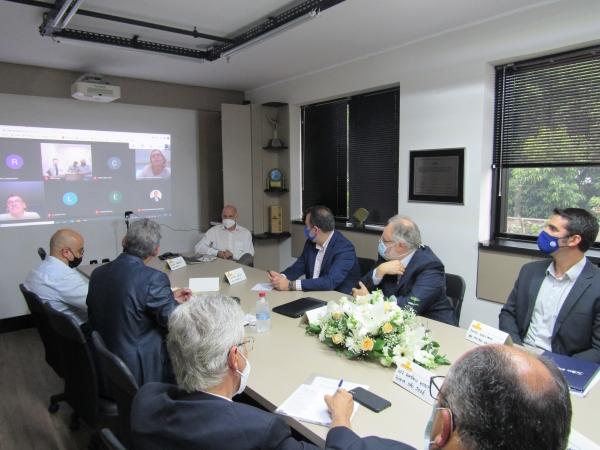Prefeito eleito de Porto Alegre se reúne com lideranças da saúde no SINDIHOSPA_
