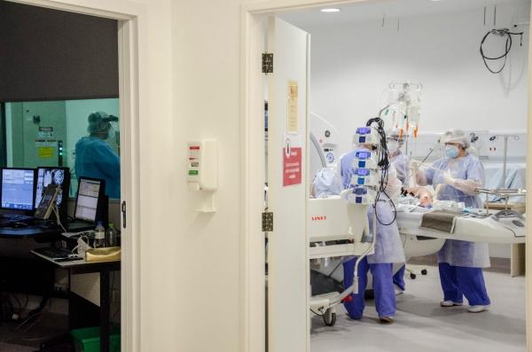 Hospital de Clínicas de Porto Alegre conta com novo tomógrafo para área Covid-19