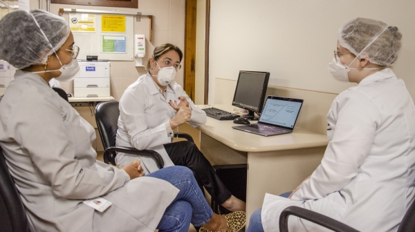 Pesquisa inédita identifica coronavírus na placa bacteriana_